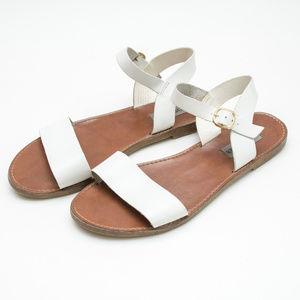 """Steve Madden White """"Donddi"""" Sandals"""